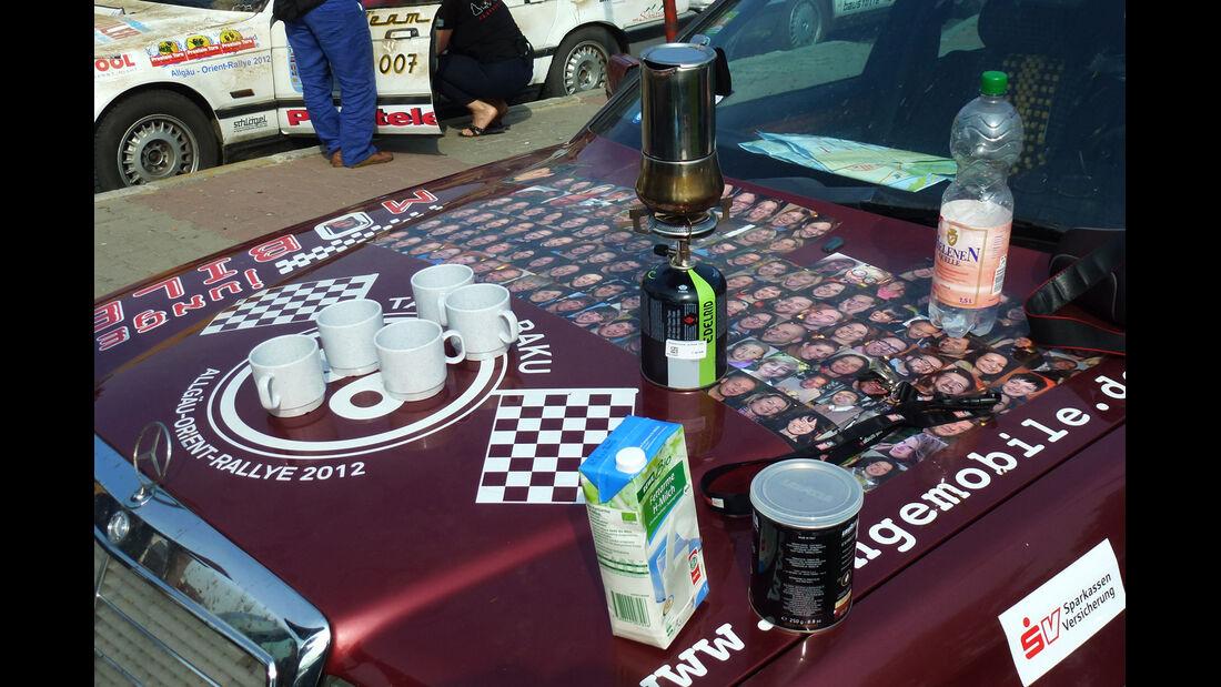 Rallye Allgäu-Orient, Passfotos, Motorhaube