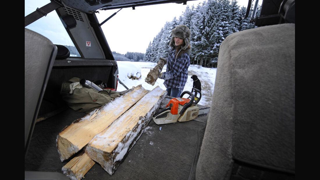 Range Rover 4.2, Schnee, Kofferraum, Malanie, Holz