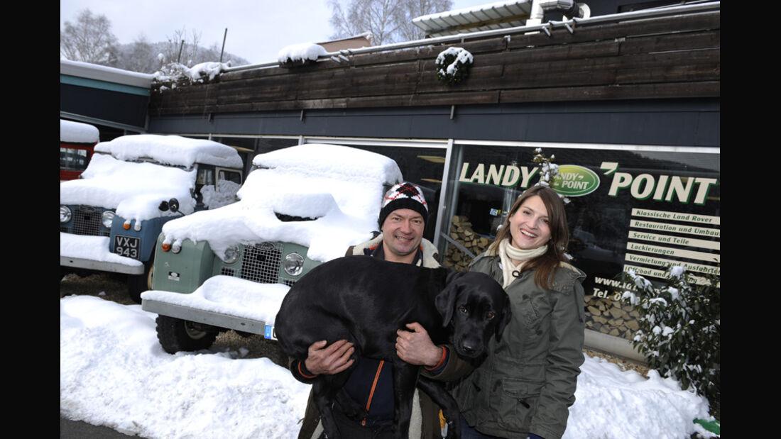Range Rover 4.2, Schnee, Malanie mit Hund Anna