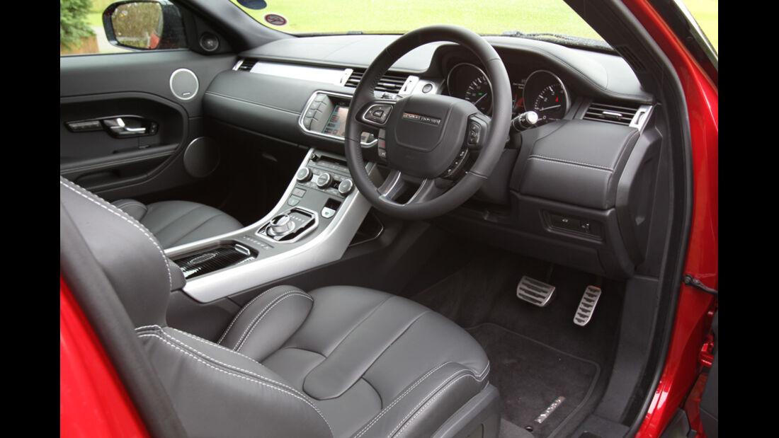 Range Rover Evoque 2.0 Si4, Cockpit, Fahrersitz