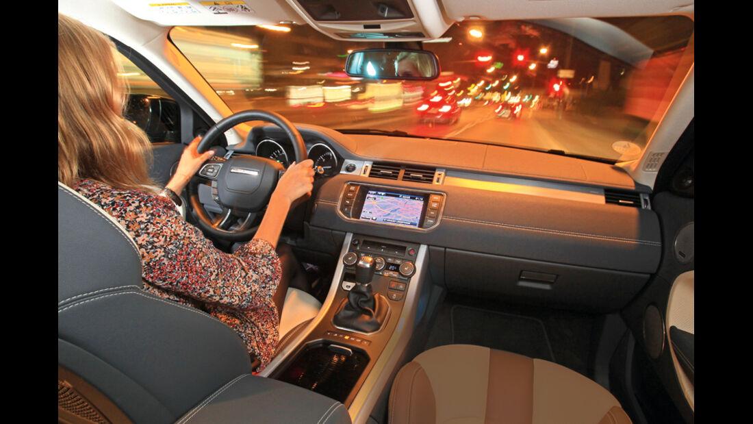 Range Rover Evoque 2.2 SD4 Dynamic, Innenraum, Cockpit