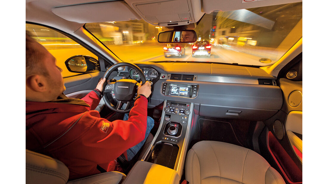 Range Rover Evoque TD4, Cockpit, Fahrersicht