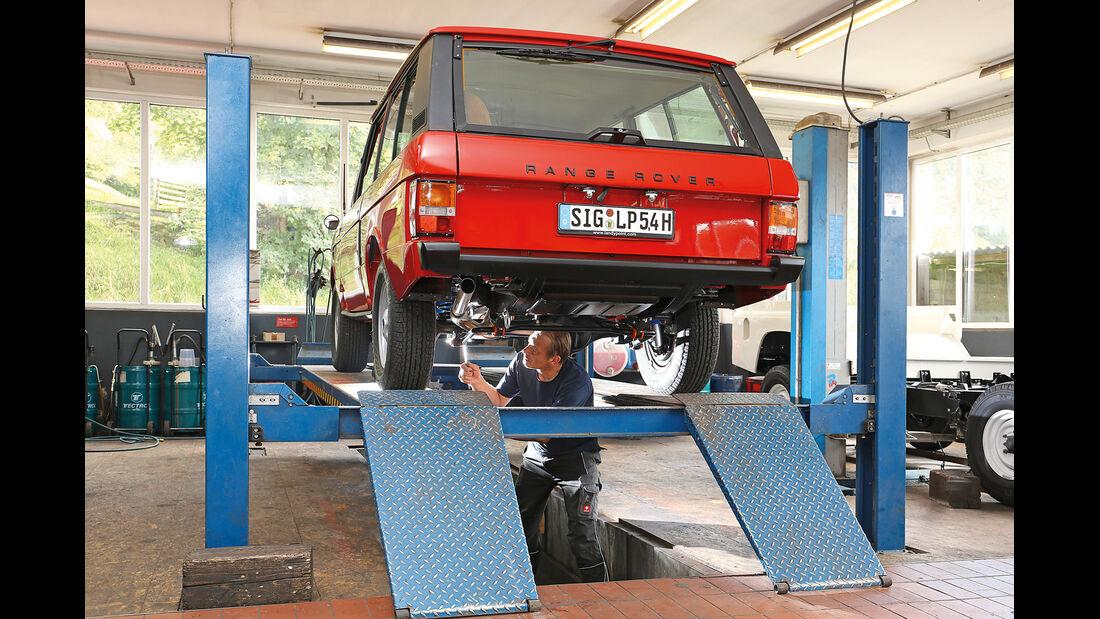 Range Rover, Heckansicht, Hebebühne