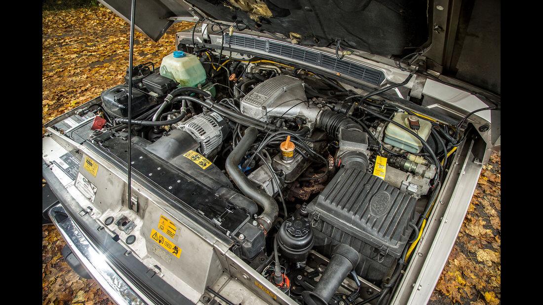 Range-Rover-I-V8-im-Motor
