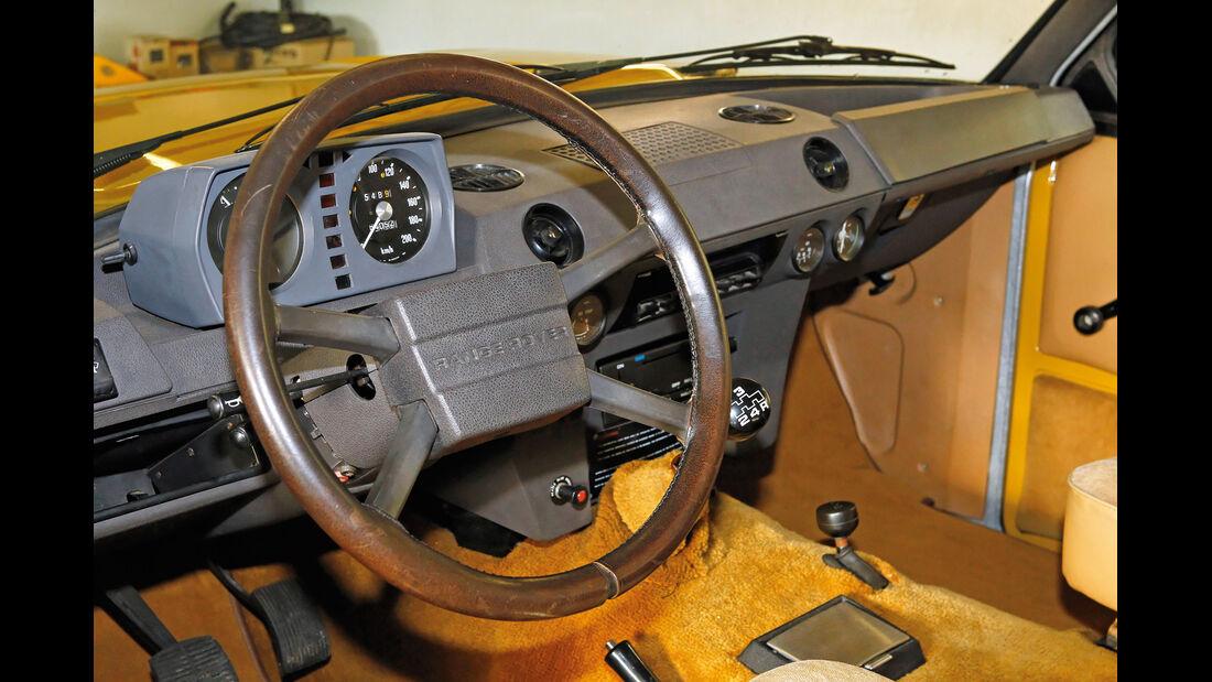 Range Rover, Lenkrad