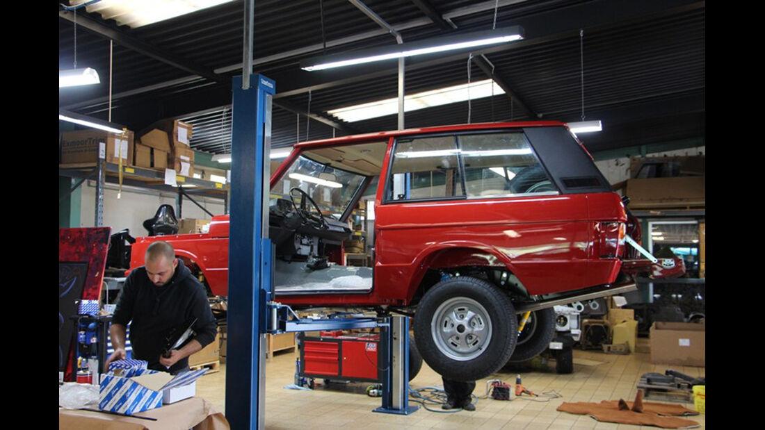 Range Rover, Seitenansicht, Hebebühne