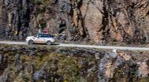 Range Rover auf Todesstraße