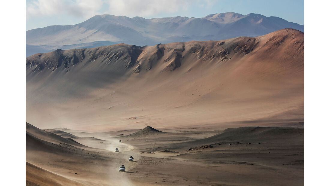 Range Rover in Wüste