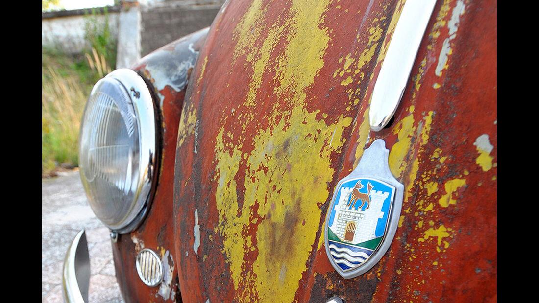 Rat Style Käfer - Motorhaube mit VW-Emblem