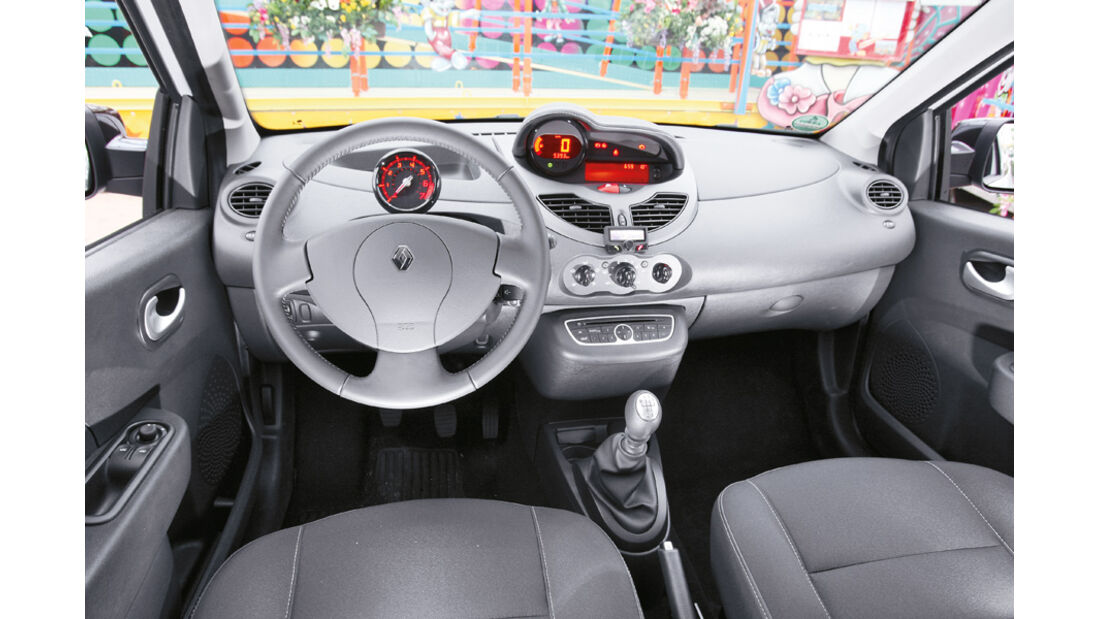 Reault Twingo 1.2 16V Night & Day, Cockpit, Lenkrad