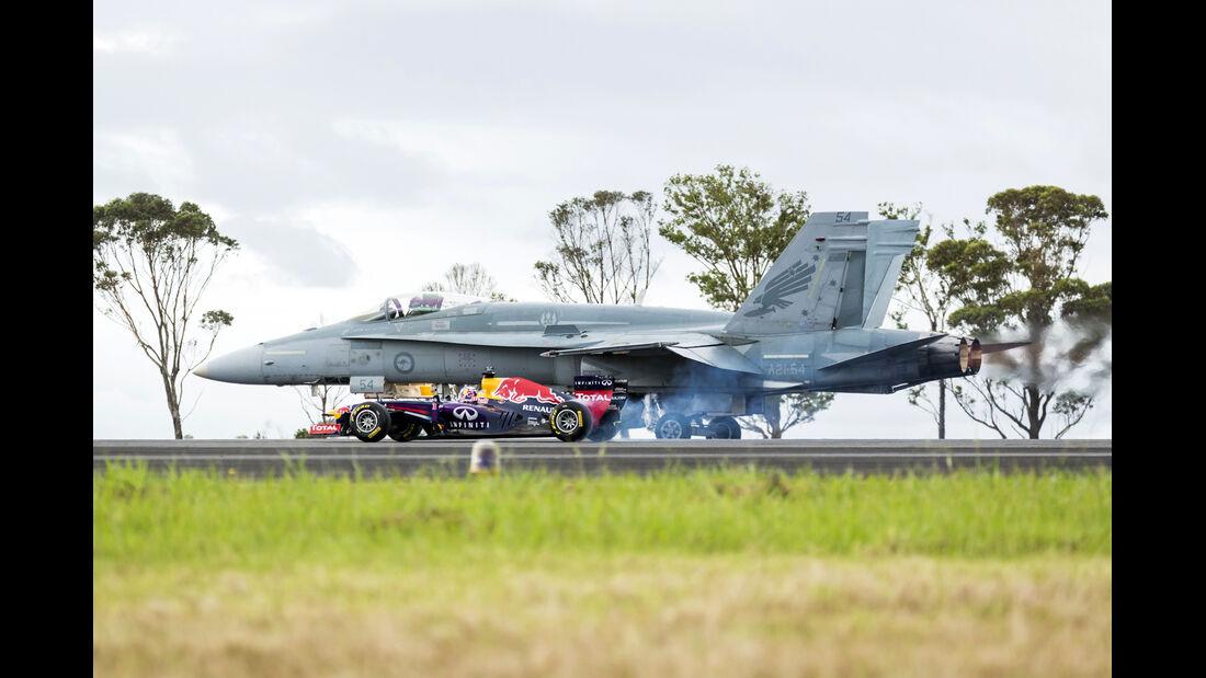 Red Bull - Daniel Ricciardo - Düsenjet - Formel 1 - GP Australien - 12. März 2014
