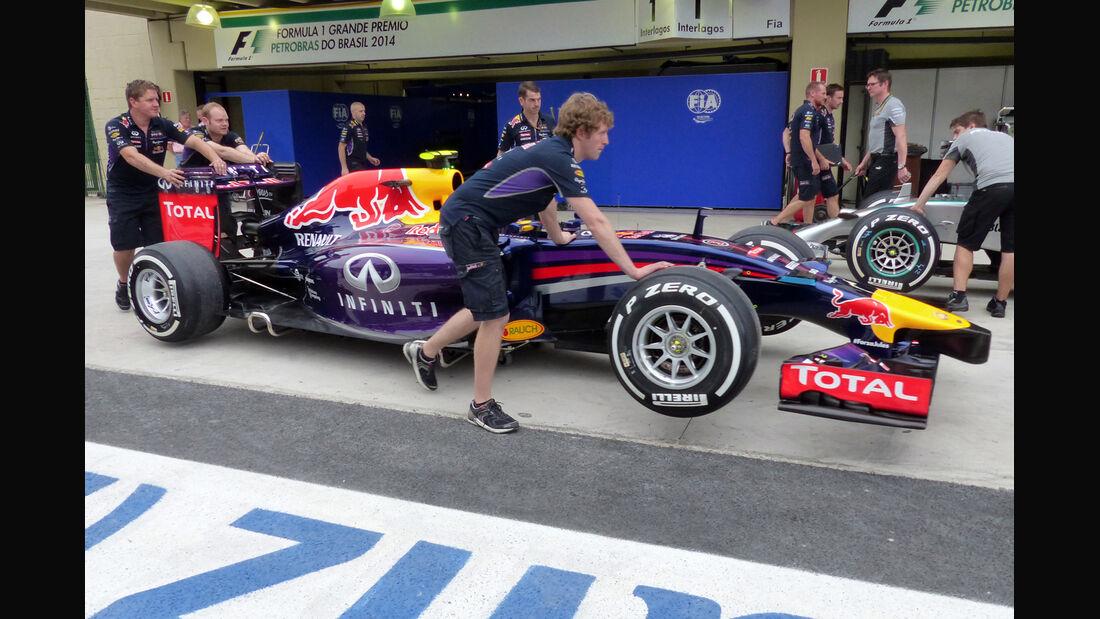 Red Bull - Formel 1 - GP Brasilien - 6. November 2014