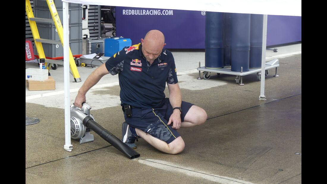 Red Bull - Formel 1 - GP Japan - Suzuka - Mittwoch - 5.10.2016