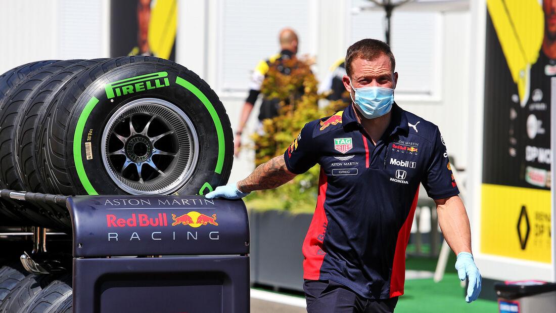 [Imagen: Red-Bull-Formel-1-GP-Oesterreich-Spielbe...703471.jpg]