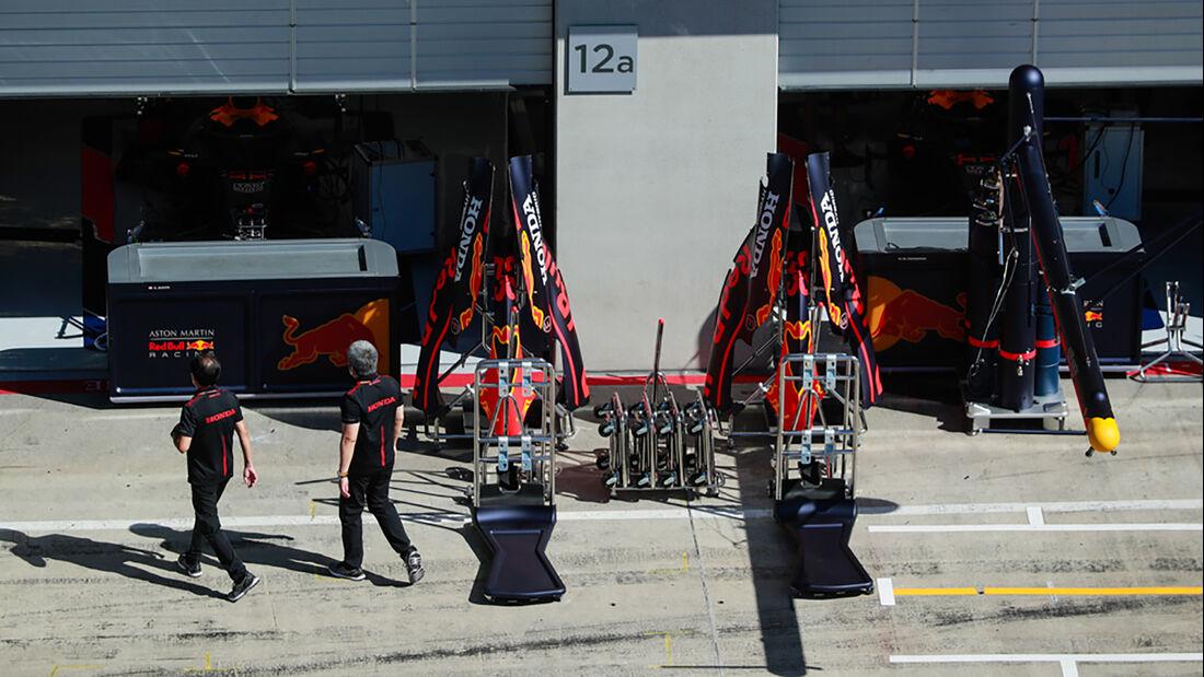 [Imagen: Red-Bull-Formel-1-GP-Oesterreich-Steierm...705275.jpg]