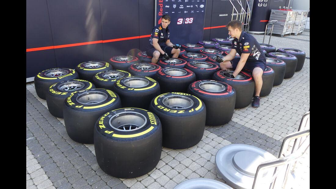 Red Bull - Formel 1 - GP Russland - Sotschi - 26. April 2017