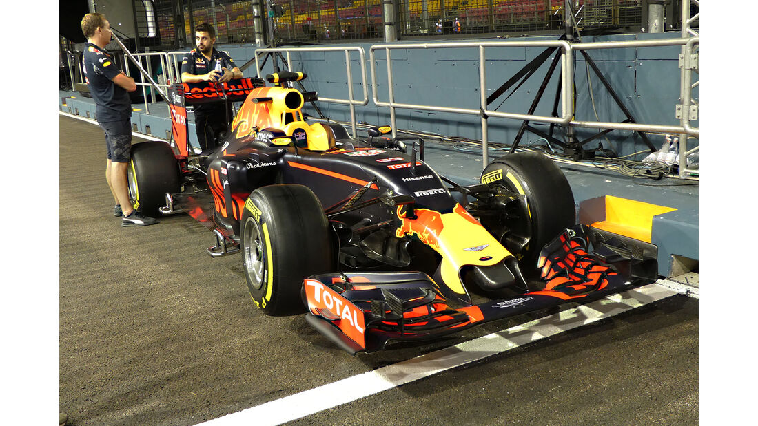 Red Bull - Formel 1 - GP Singapur - 15. September 2016