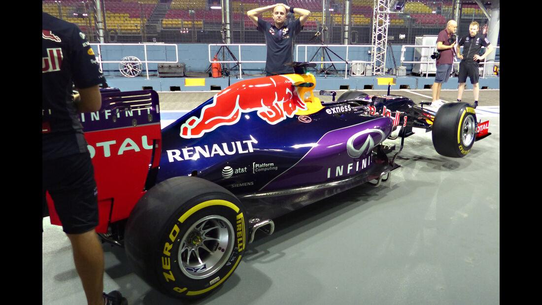 Red Bull - Formel 1 - GP Singapur - 17. September 2015