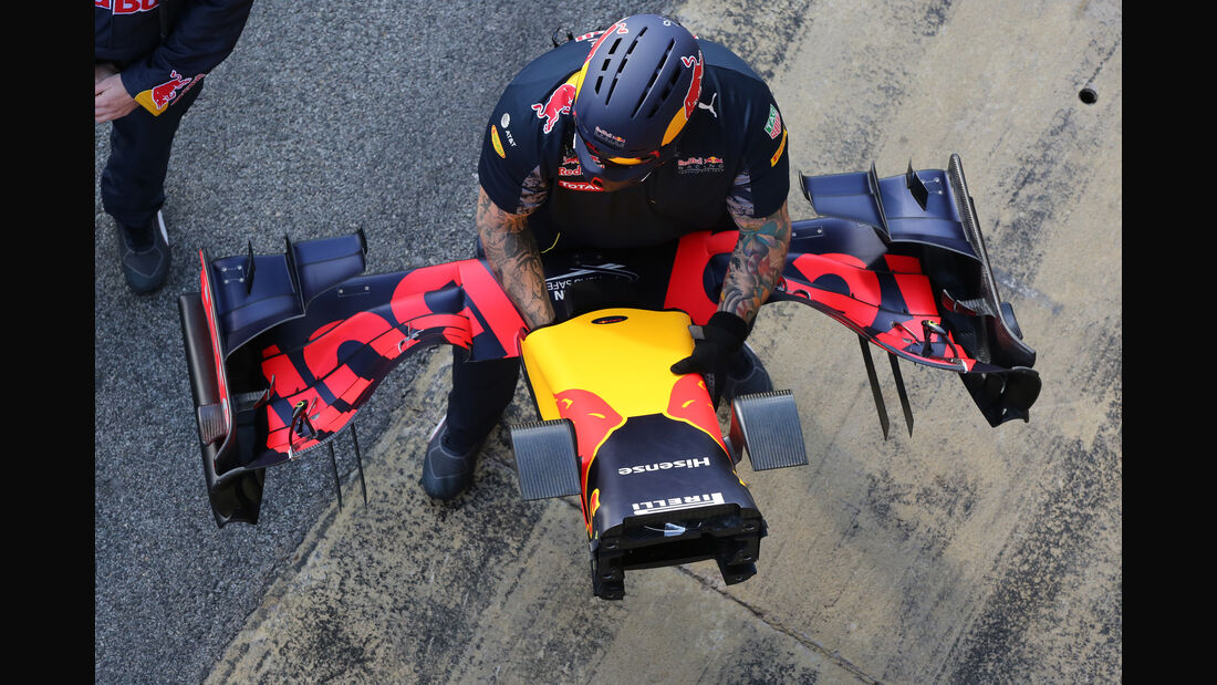 Red Bull - Formel 1 - Test - Barcelona - 2. März 2016