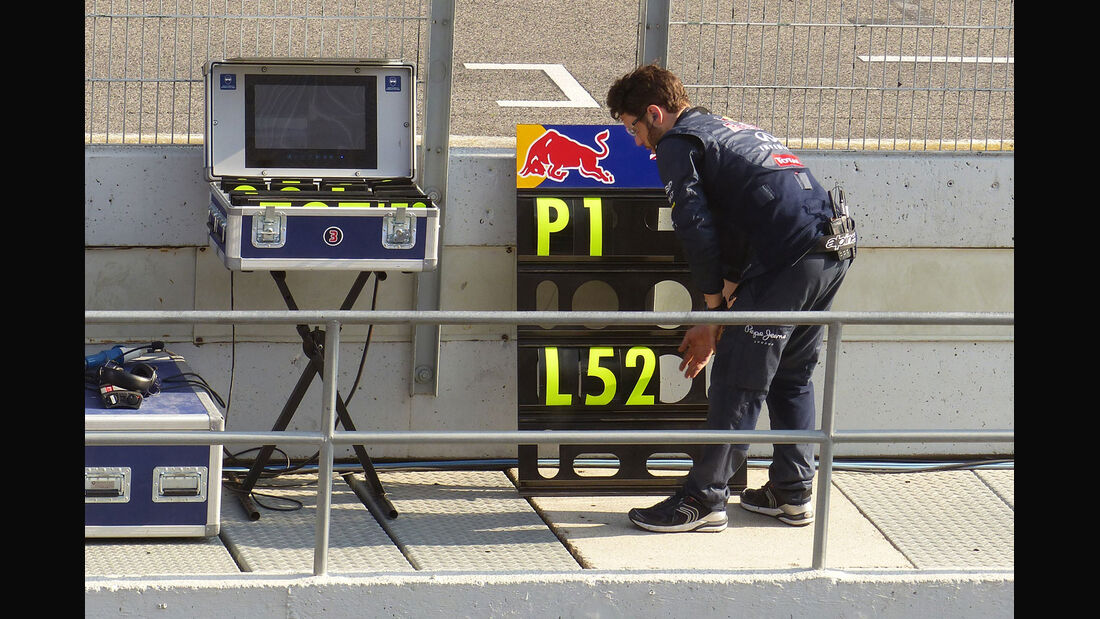 Red Bull - Formel 1-Test - Barcelona - 20. Februar 2015