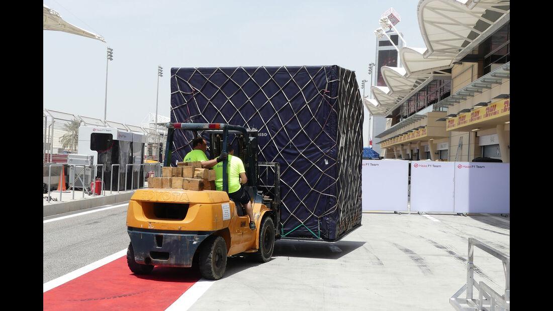 Red Bull - GP Bahrain - Sakhir - Mittwoch - 12.04.2017