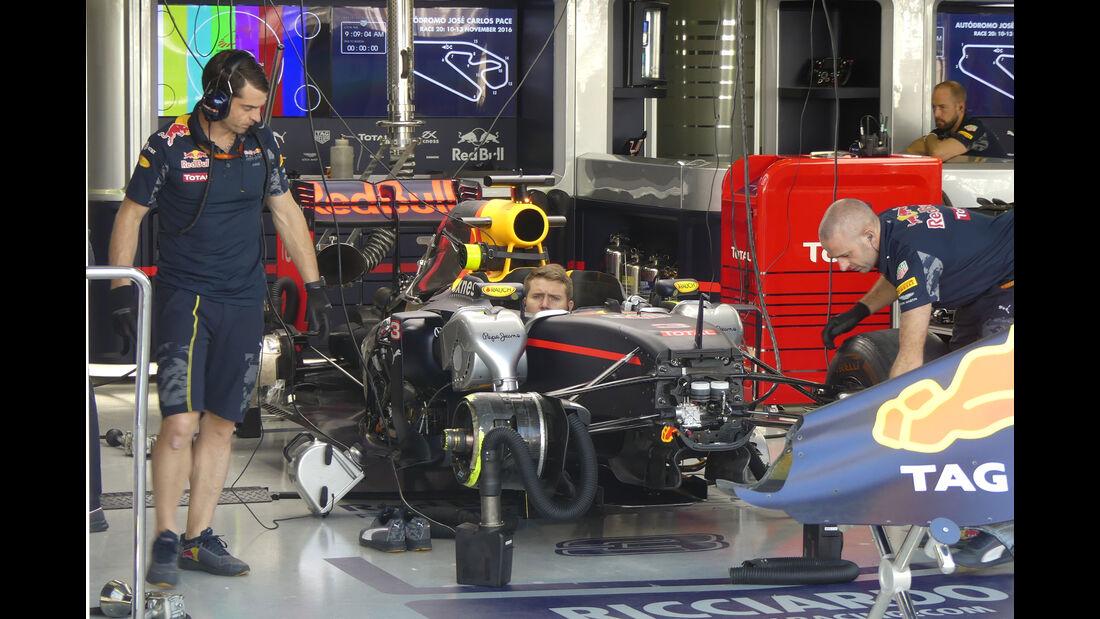 Red Bull - GP Brasilien - Interlagos - Freitag - 11.11.2016