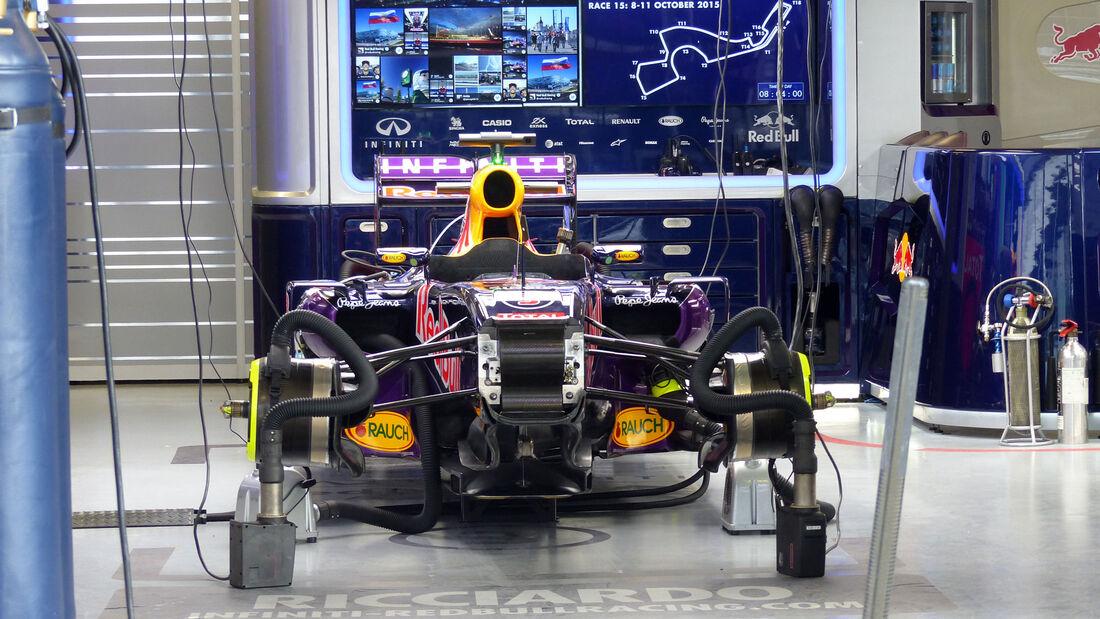 Red Bull - GP Russland - Sochi - Freitag - 9.10.2015