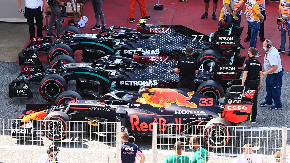 [Imagen: Red-Bull-Mercedes-Formel-1-GP-Spanien-Ba...714921.jpg]