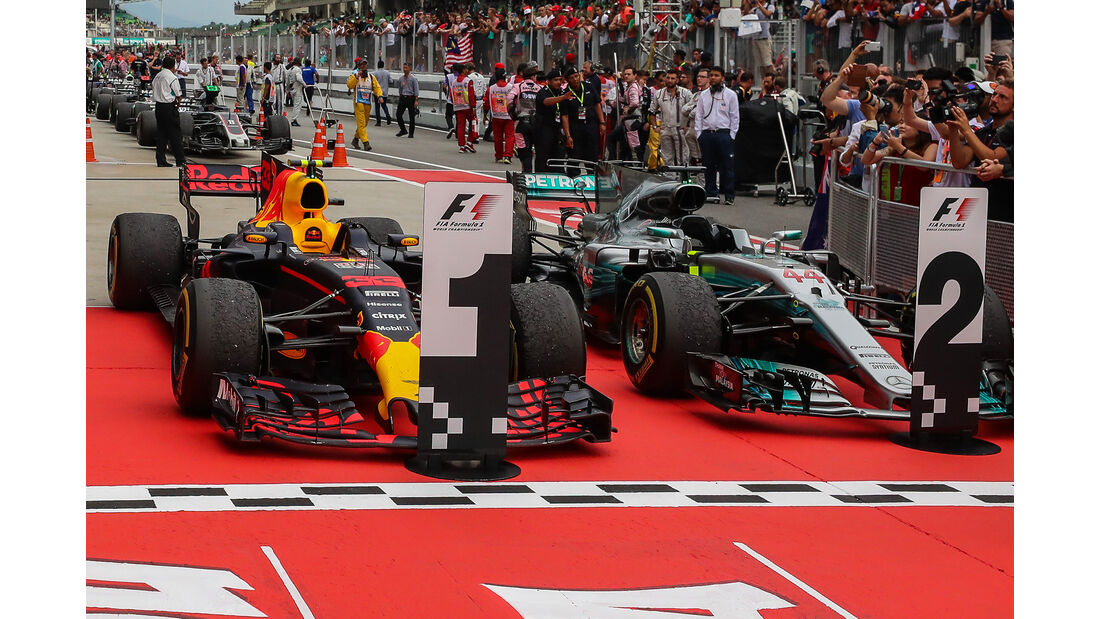 Red Bull & Mercedes - GP Malaysia 2017