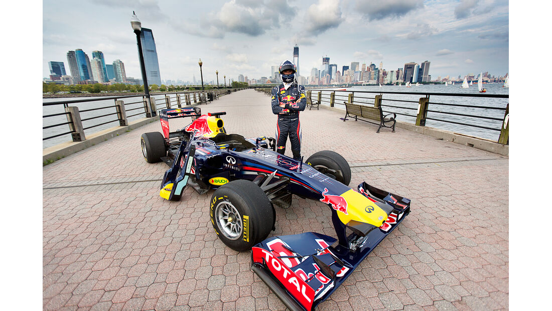 Red Bull Showrun 2012 New York Coulthard