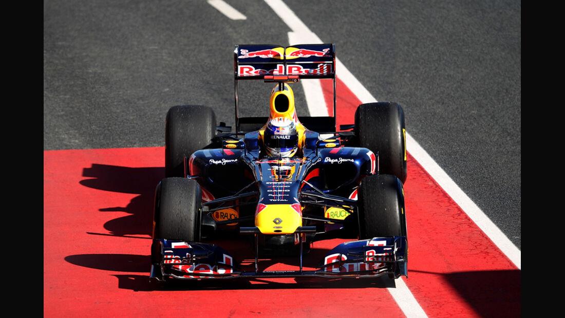 Red Bull Vettel Formel 1 Test Barcelona 2011