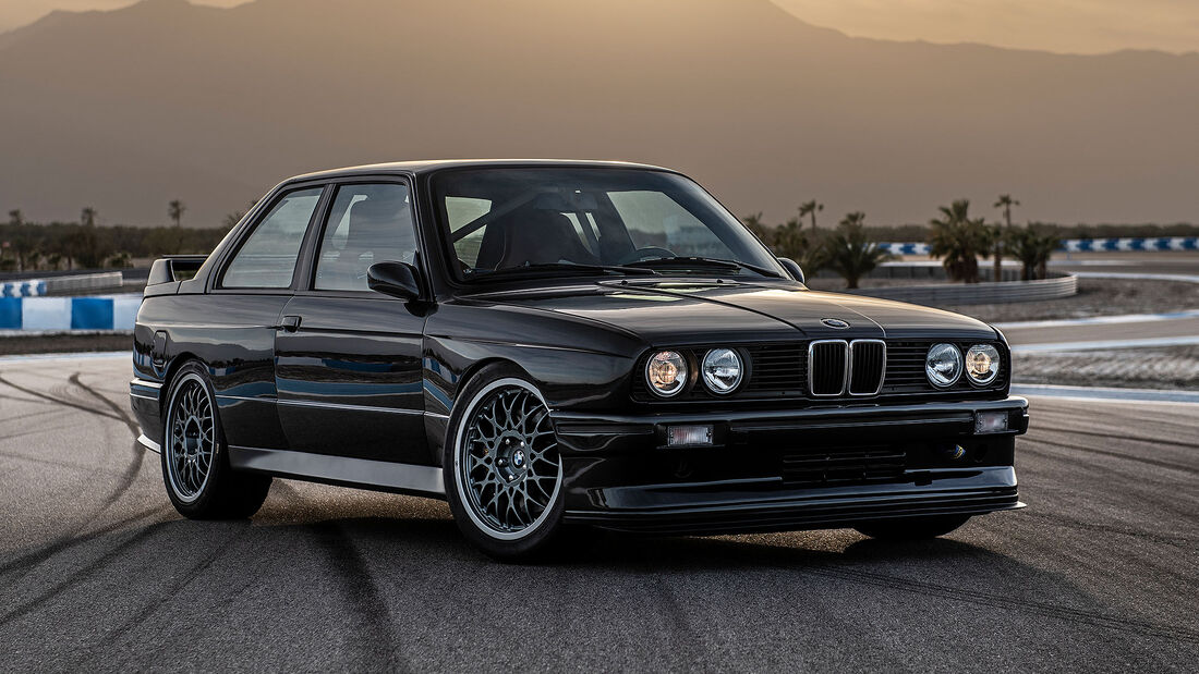 Redux Leichtbau BMW M3 E30 Restomod