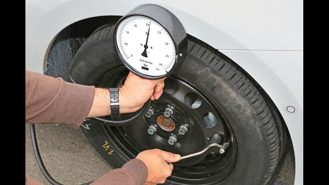 Reifen-Dichtkits, Drucktest
