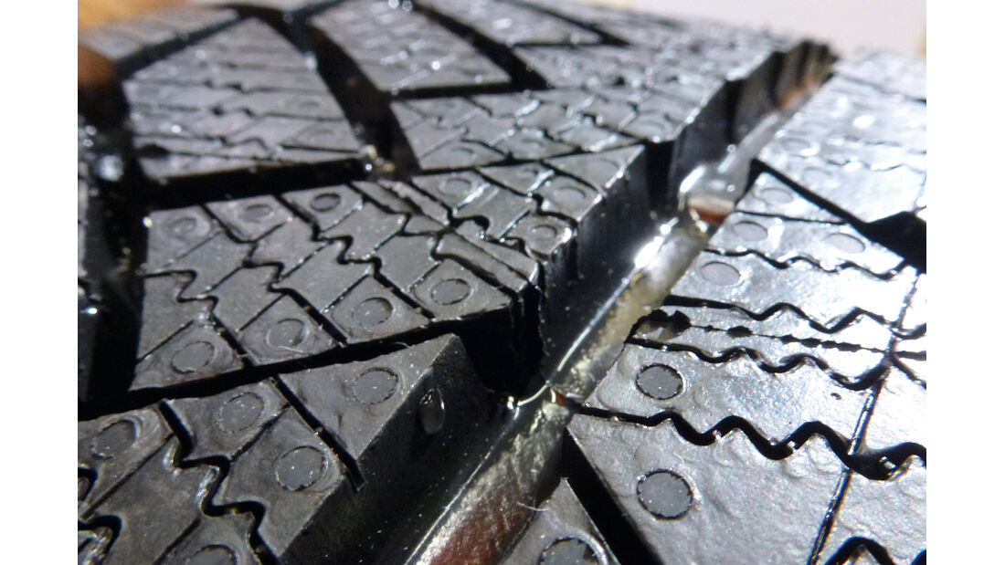 Reifenprofile, Längsrillen