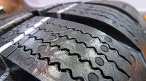Reifenprofile, Reifenoberfläche