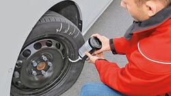 Reifenwissen-richtiger-Umgang-mit-dem-Pannenset