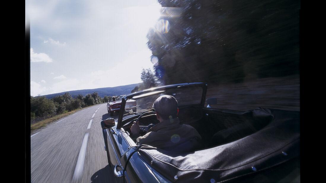 Reise im Triumph TR 6 und Mercedes 230 SL nach Südfrankreich