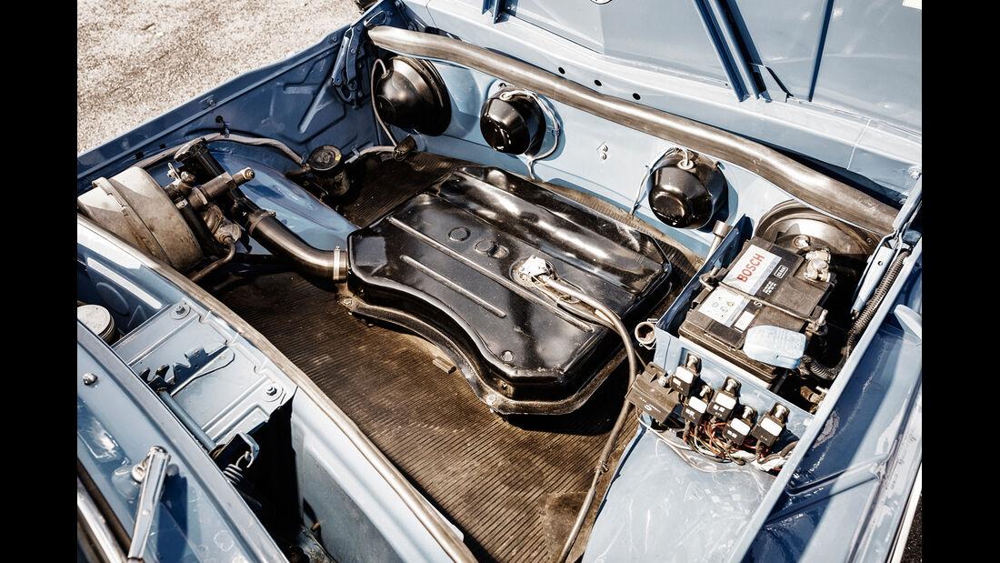 Renault 8 Gordini 1300, Tank