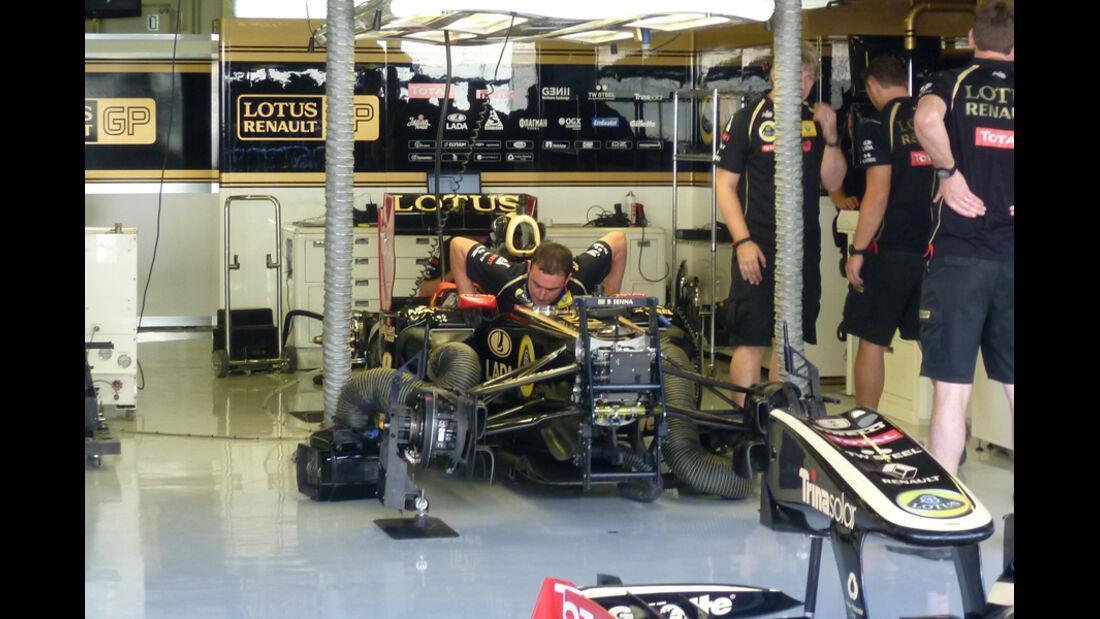 Renault-Box - GP Abu Dhabi - 10. November 2011
