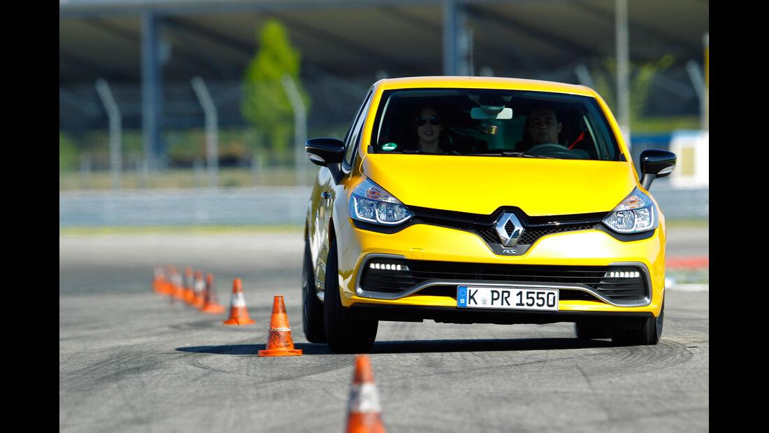 Renault Clio R.S, Heckansicht, Slalom