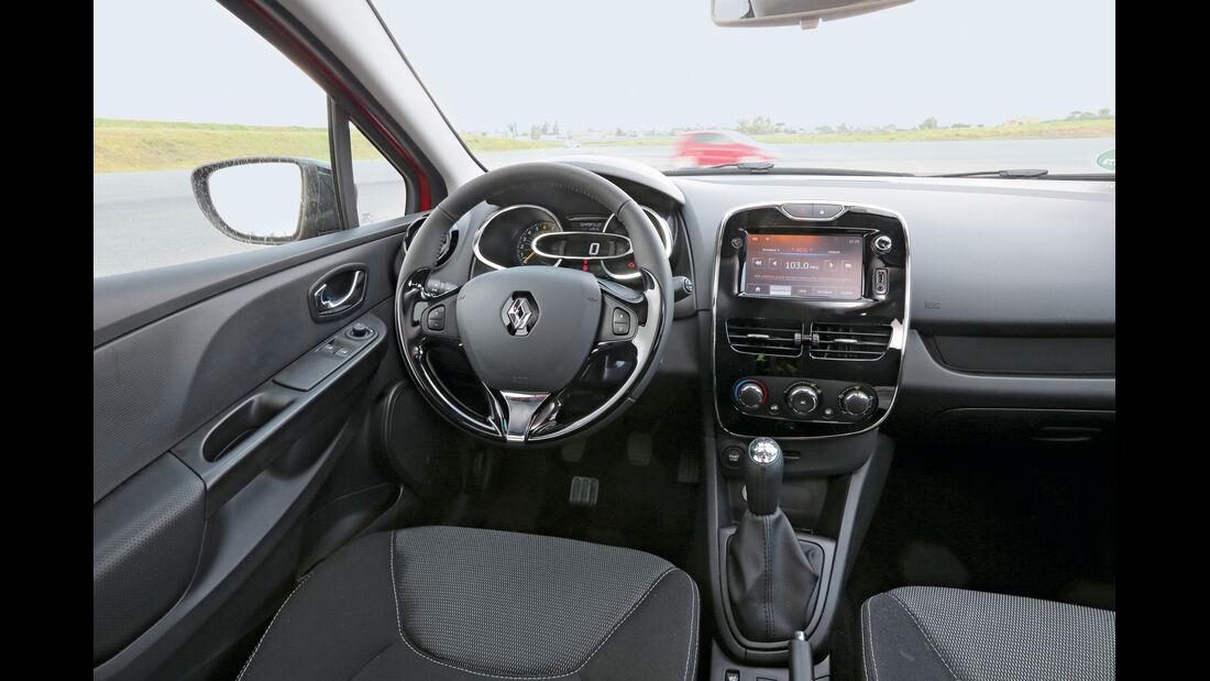 Renault Clio TCe 90, Cockpit, Lenkrad