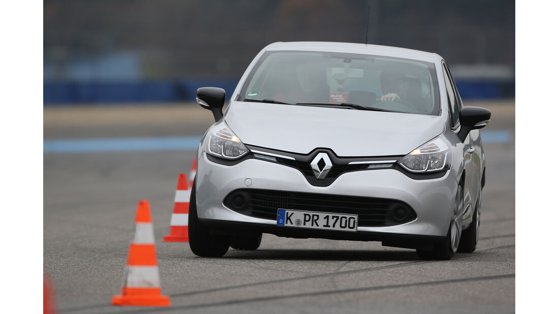 Renault Clio TCe 90 Energy, Frontansicht, Slalom