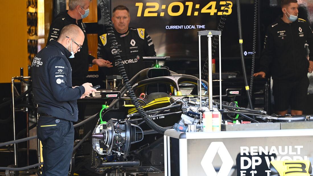 [Imagen: Renault-Formel-1-GP-Belgien-Spa-Francorc...718218.jpg]