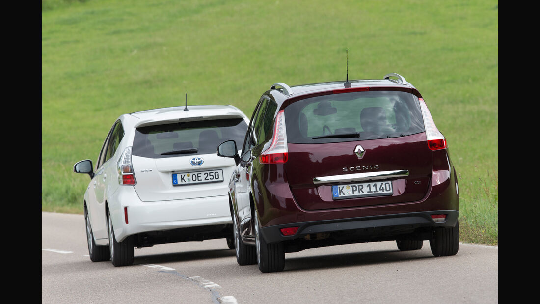 Renault Gr. Scénic 1.5 dCi Dynam., Toyota Prius Plus Life, Heckansicht