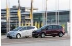 Renault Gr. Scénic 1.5 dCi Dynam. ,Toyota Prius Plus Life, Seitenansicht