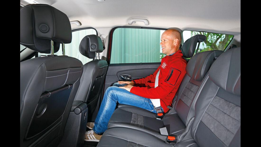 Renault Grand Scénic dCi 130, Rücksitz, Beinfreiheit