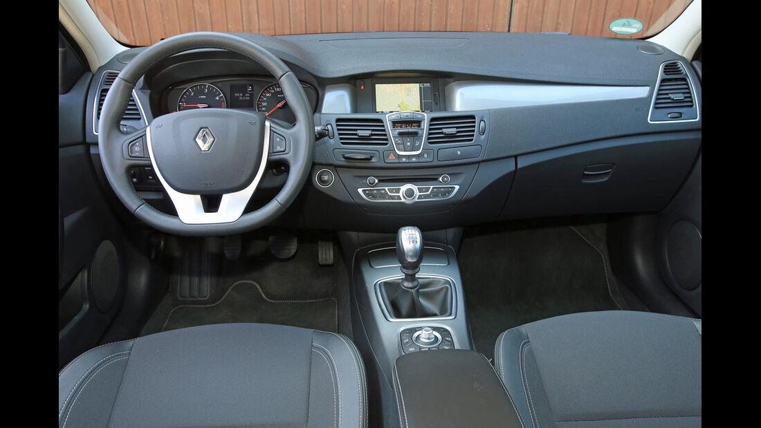 Renault Laguna Grandtour dCi 150, Cockpit, Lenkrad