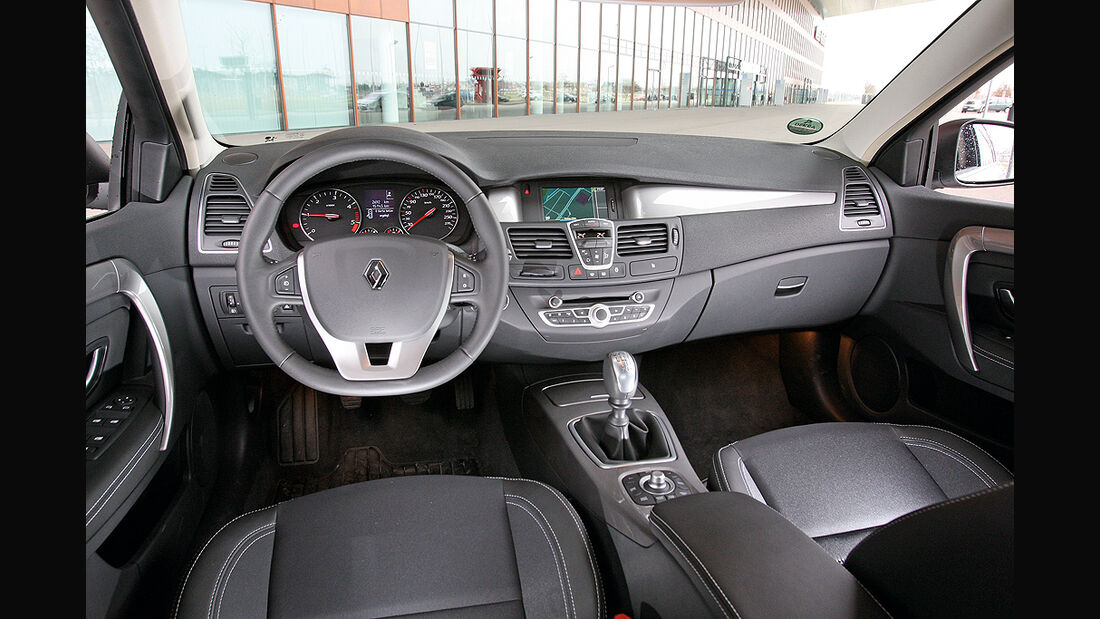 Renault Laguna dCi 110 FAP, Innenraum, Cockpit