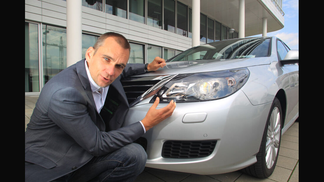 Renault Latitude, Scheinwerfer