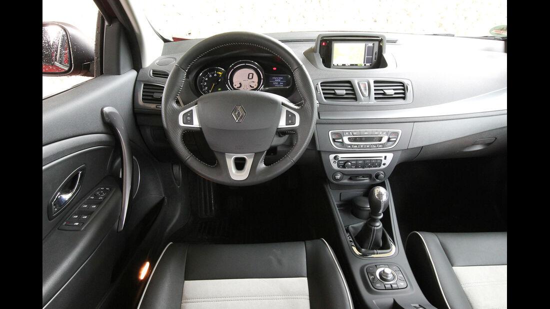 Renault Mégane TCe 130, Lenkrad, Cockpit